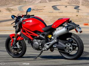 2009-Ducati-Monster-696-4
