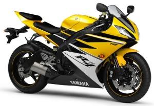 yamaha R4
