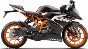 KTM-125-Duke-and-Yamaha-MT-125-2