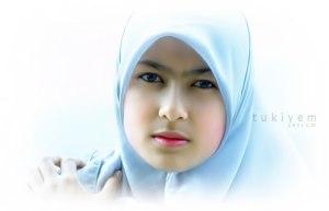 akhwat-muslimah-wanita-perempuan-jilbab-biru