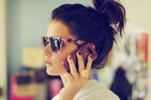 Cantik-Ponsel-Jerawat