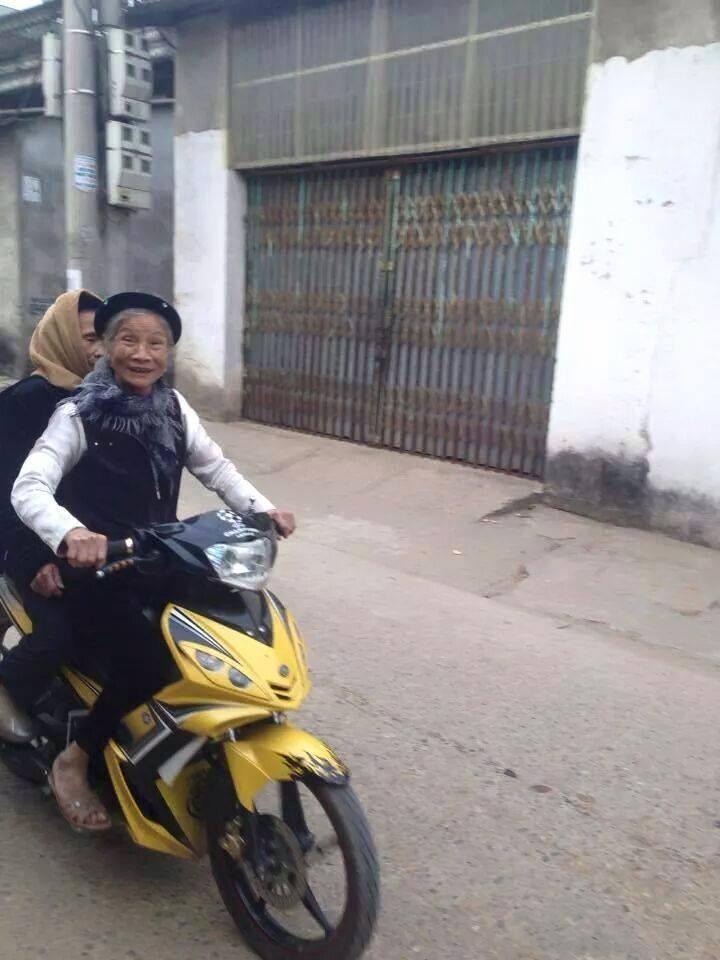 Gambar Lucu Nenek2 Naik Motor Gambar Viral Hd