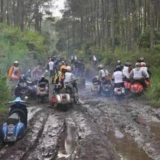 Vespa Juga Bisa Main Di Lumpur Orongorong Com