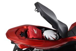 2015-Honda-PCX-150-011-640x427
