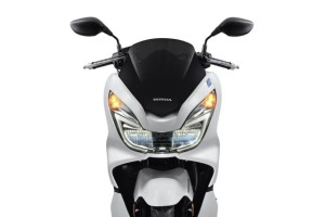 2015-Honda-PCX-150-014-640x428