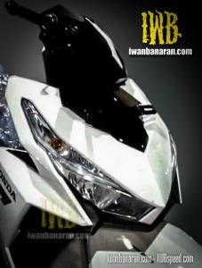 Vario-150-headlamp-side