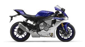 2015-Yamaha-YZF-R1-EU-Race-Blu-Studio-002