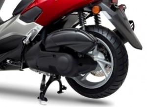 Yamaha-NMAX-125cc-07-650x470