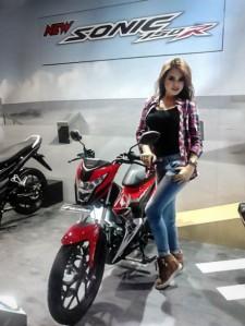Honda-sonic-150R-9