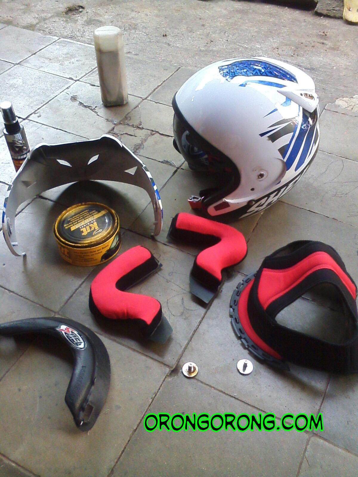 cara membersihkan helm terkeren