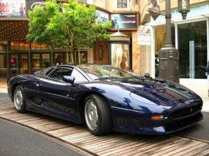 Mobil-Jaguar-XJ220