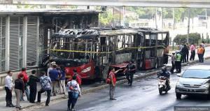 bus trans jakarta terbakar hebat