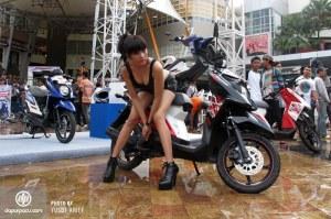 Yamaha_X-Ride_La_Piazza_01