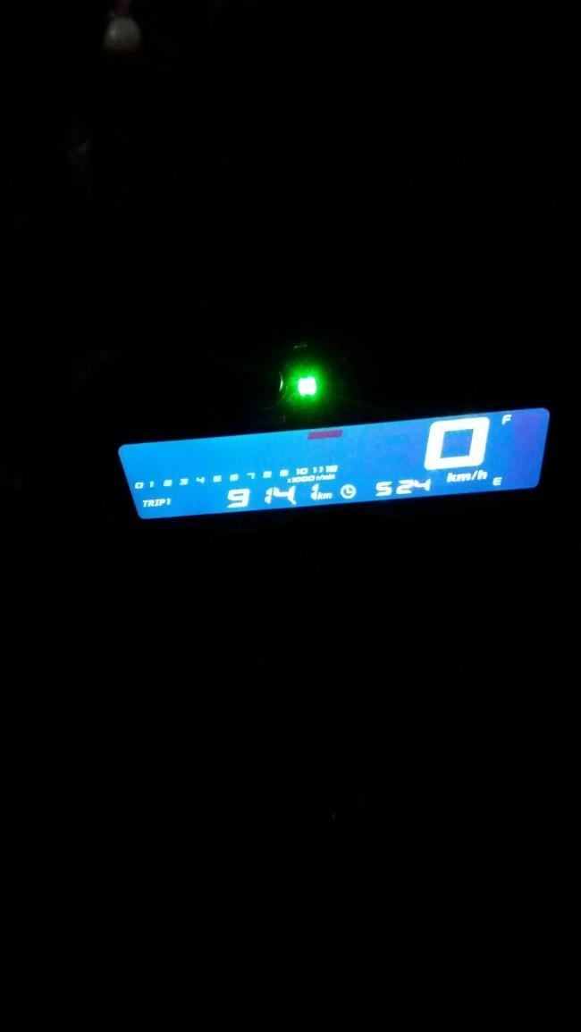speedometer yamaha xabre malam hari