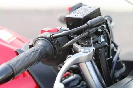 suzuki-gsx-250r-kabel-gas